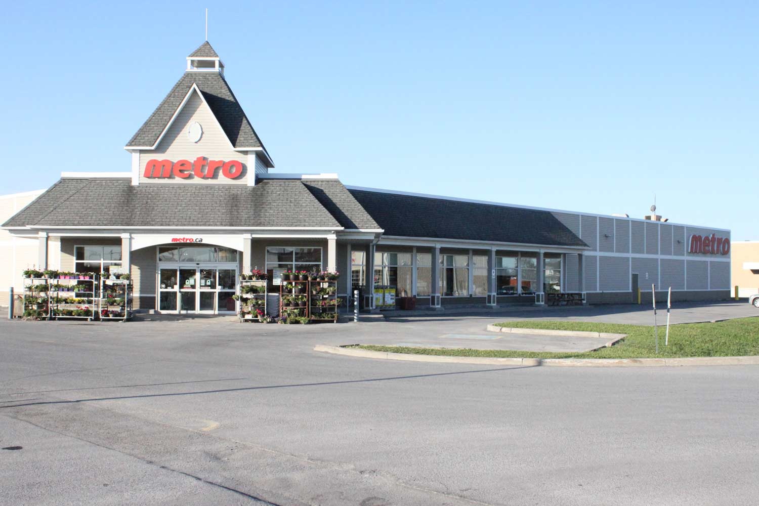 Metro Grocery Store (Previously Loeb)